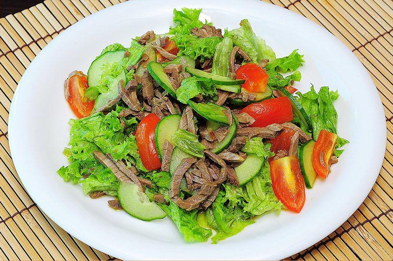 Салат по тайски с говядиной