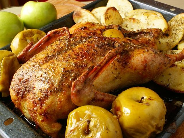 Утка фаршированная с яблоками рецепт пошагово