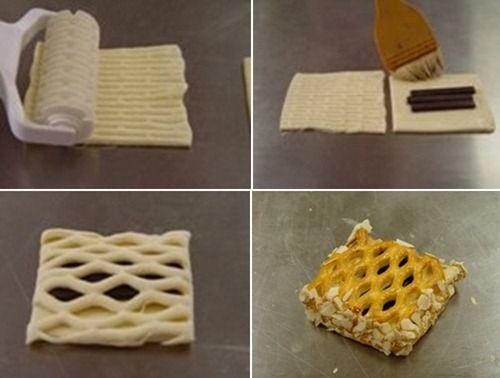 Как сделать пирог из слоеного теста с яблоками